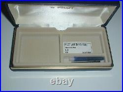 New Pilot Vanishing Point Retractable Fountain Pen Blue/Gold Accents Fine 60166