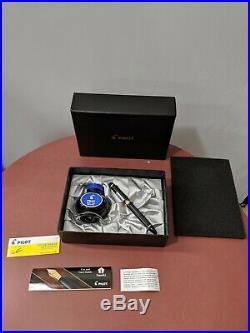 Pilot Custom 823 Fountain Pen Smoke with Gold Trim 14K Fine Point