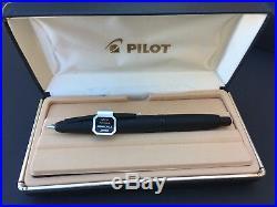 Pilot Vanishing Point Retractable Fountain Pen Matte Black Barrel Blue Ink Fine