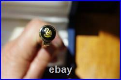 Rare discontinued Pelikan fountain pen M1050 with vermeil cap ex-fine point nib