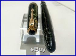 Vintage Parker Vacumatic Major Fountain Pen. Green Celluloid 14K Fine Point